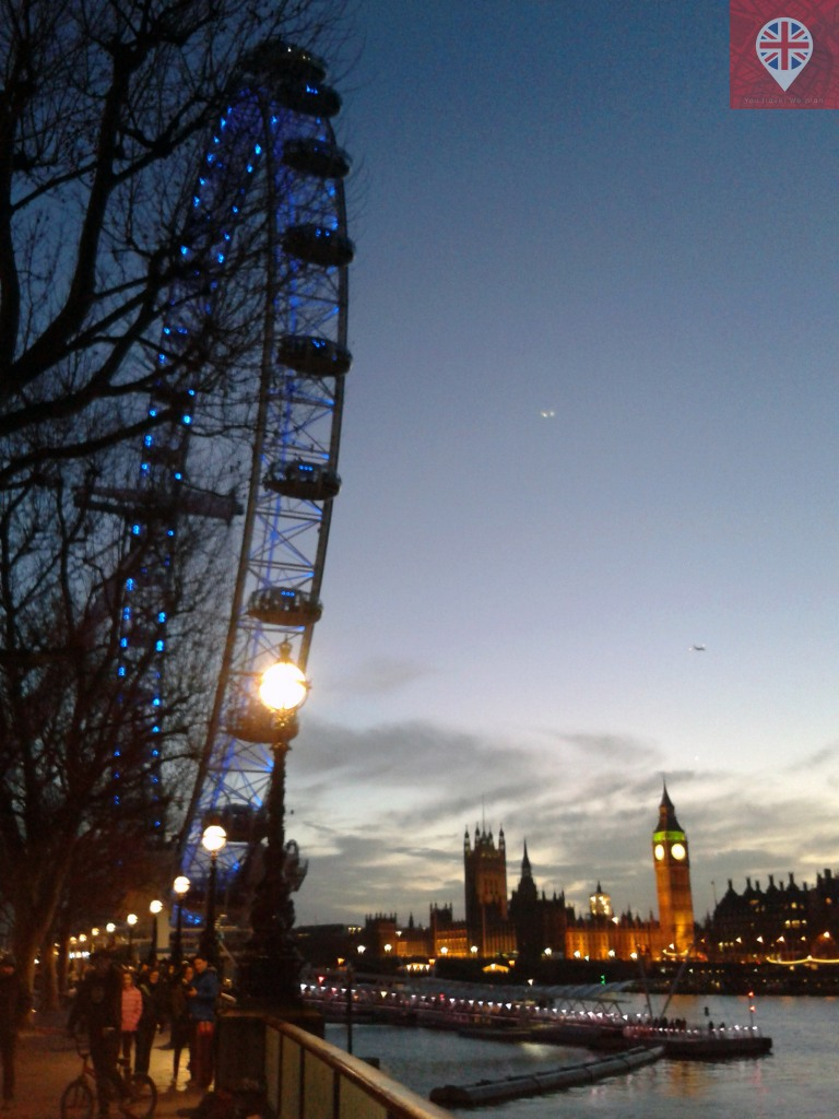 Big Ben e London Eye vistos do Southbank Central