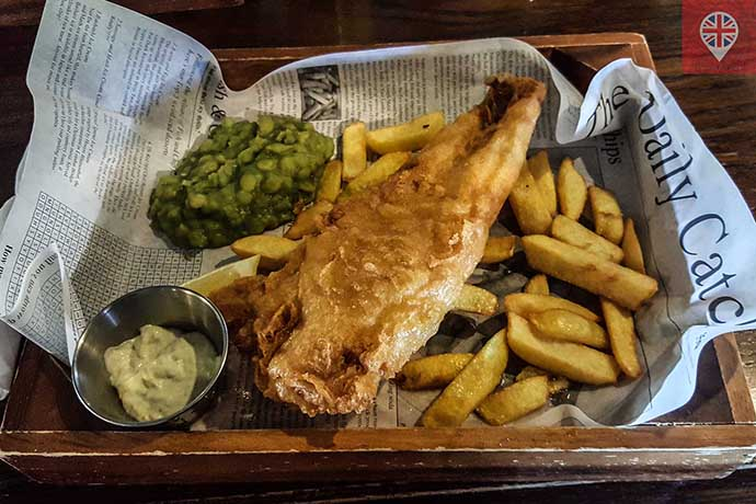 fish-and-chips-pub-the-dickens-inn