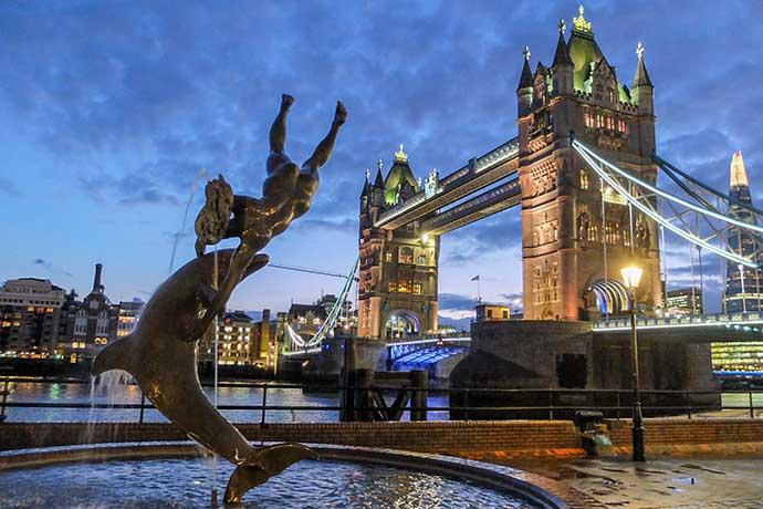 Tower Bridge statue night