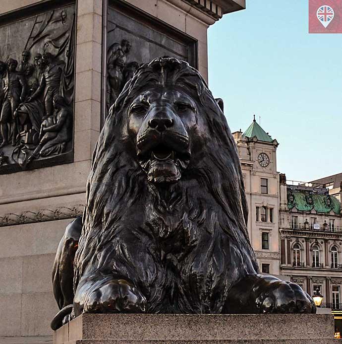 trafalgar-square-lion2