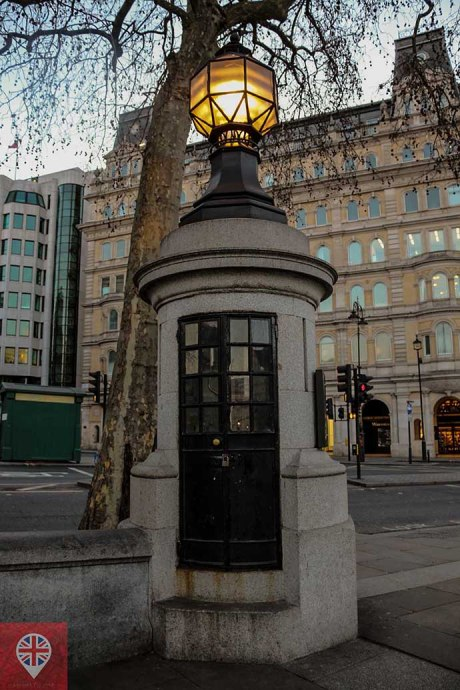 trafalgar-square-smallest-police-station-close