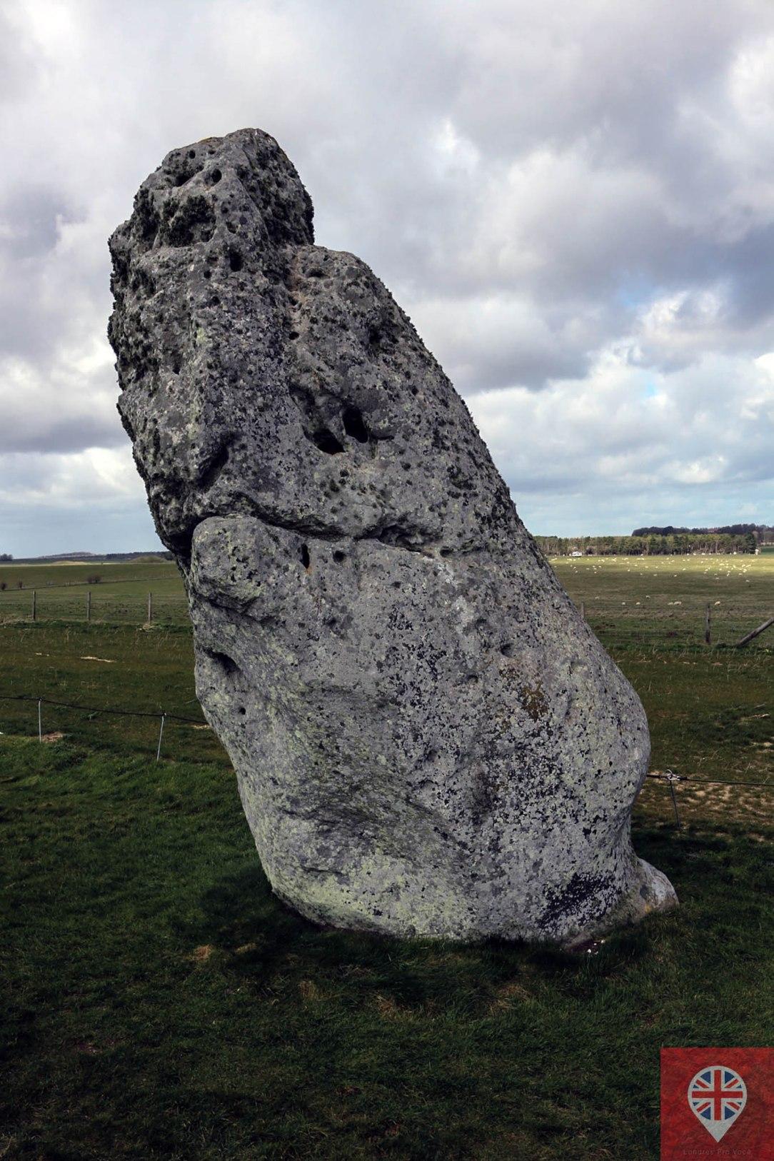 stonehenge-heelstone