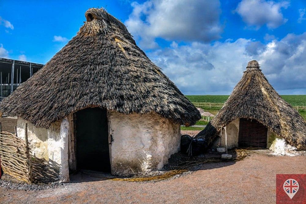 stonehenge-huts-1