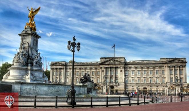 Buckingham Palace - um dos locais mais visitados de Londres e residência oficial da rainha Elizabeth II