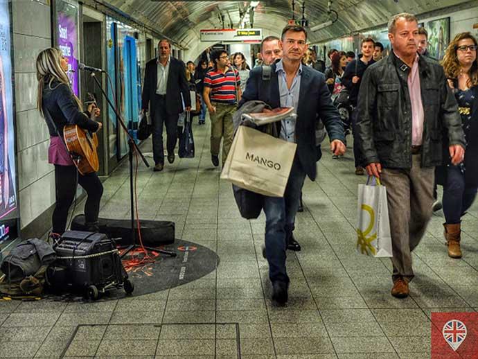 Busking cantora metro