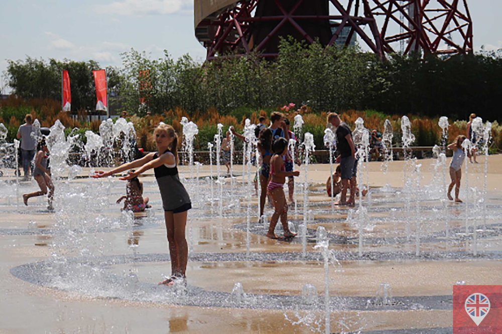 Olympic park water fountain girl