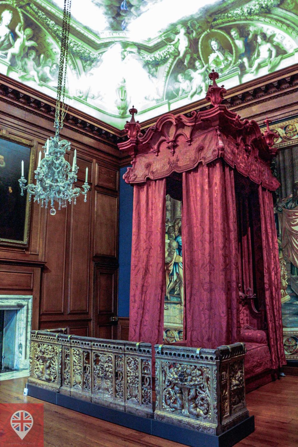 Hampton Court Kings bedroom