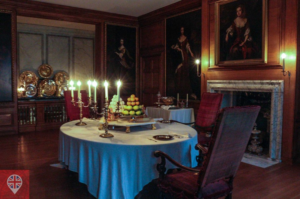 Hampton Court Kings private dining room
