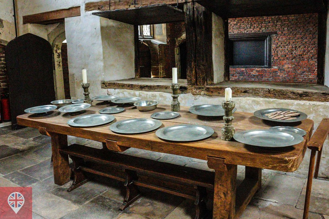Hamton Court kitchen table