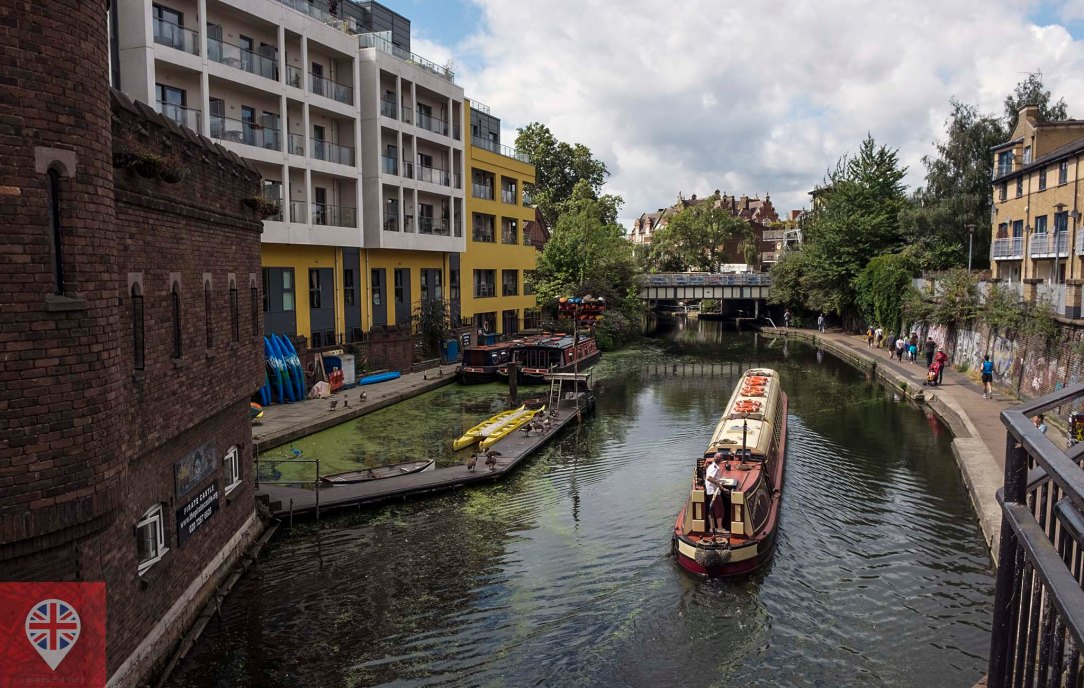 regents-canal-view-from-pirates-castle