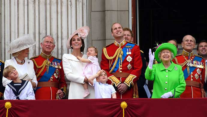 trooping-of-the-color-queen-elizabeth-birthday-90-ss09