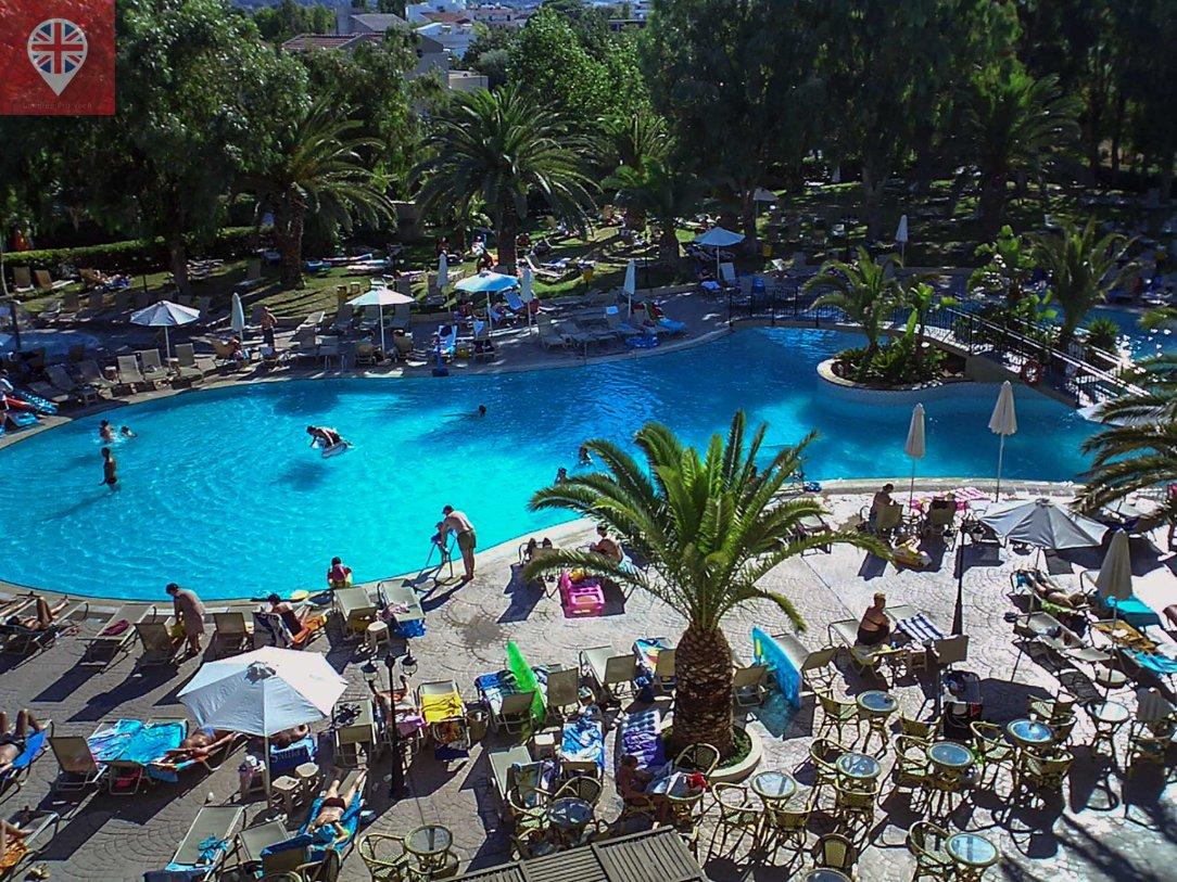 piscina-hotel-rodhes