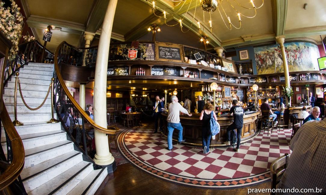 pub-em-londres-barrowboy-and-banker