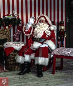 winter-wonderland-santa-claus