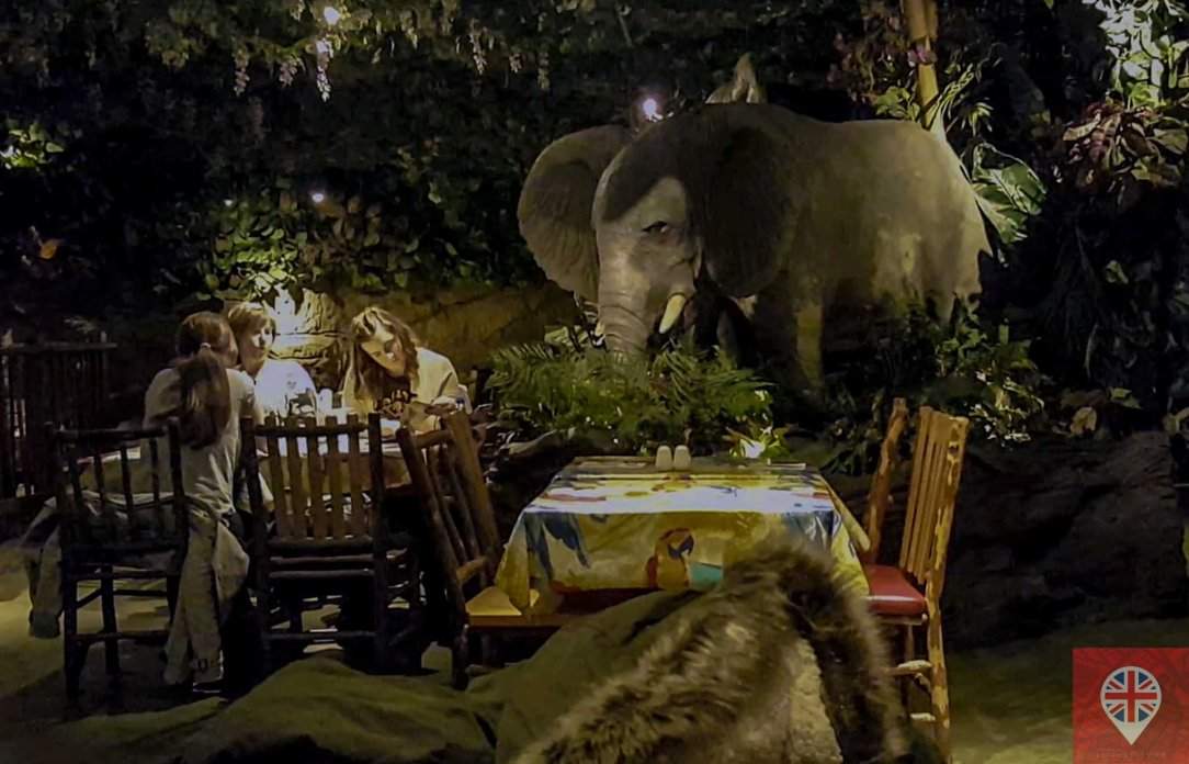 rainforest-cafe-elephant