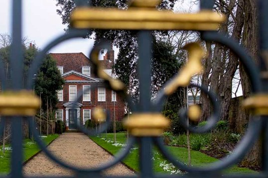fenton-house-hampstead-gate-close
