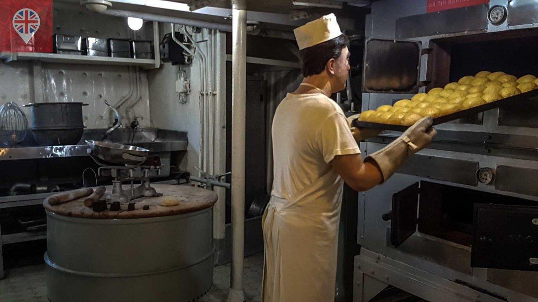 hms-belfast-baker