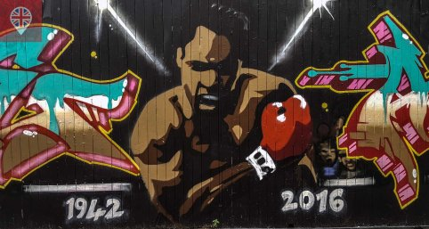 Homenagem a Muhammad Ali por Ante-ltd e Sam Sure na Fashion Street