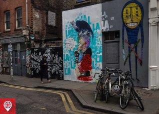Os grafites já fazem parte da paisagem local.