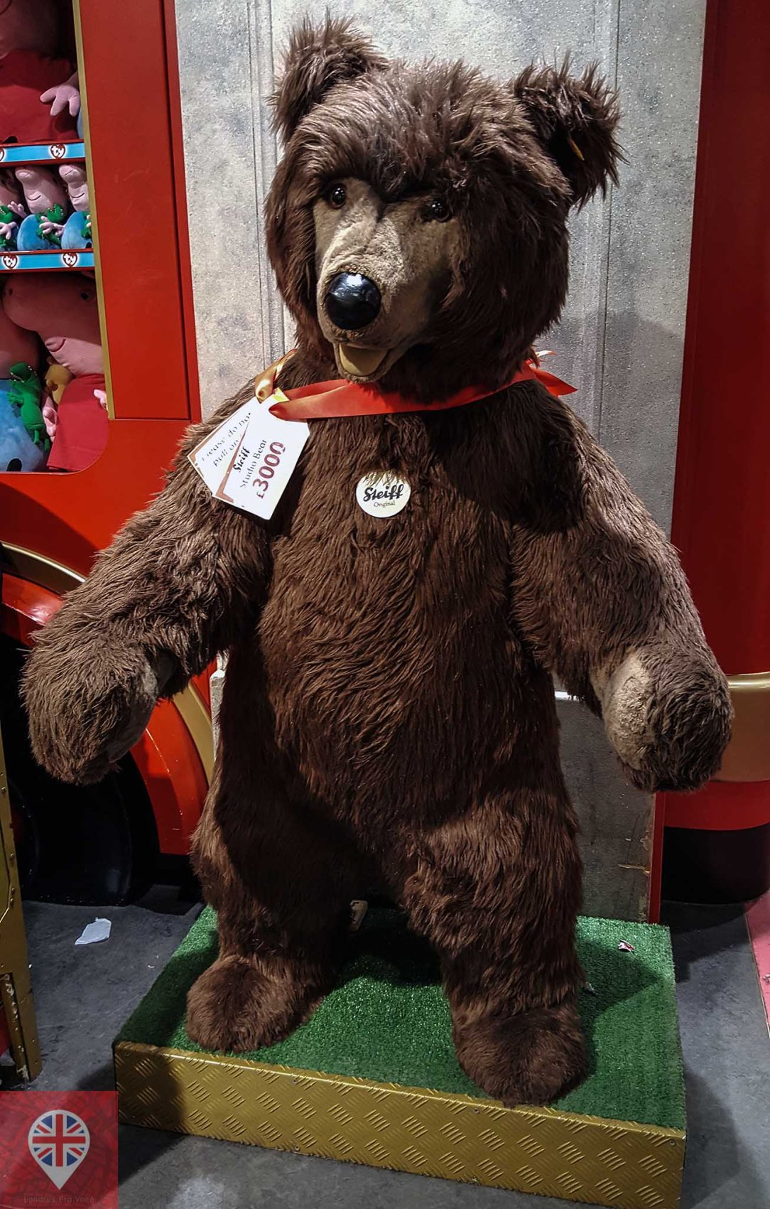 Hamleys bear