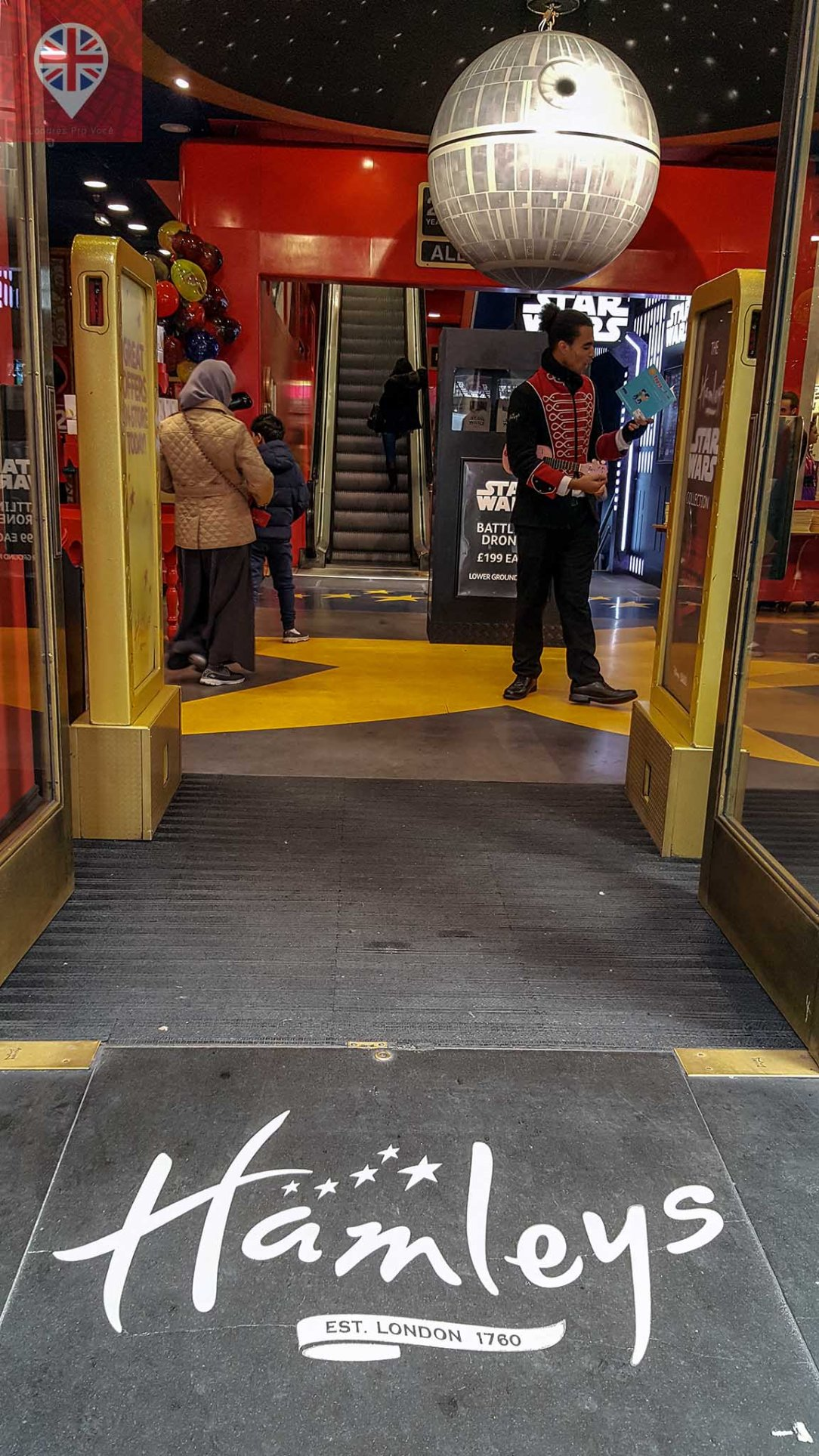Hamleys door