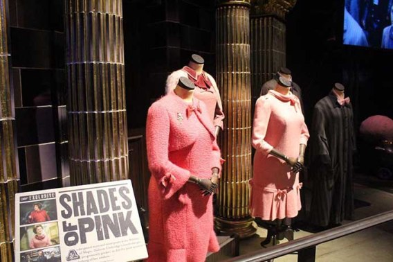 Figurinos da Diretora Dolores Jane Umbridge