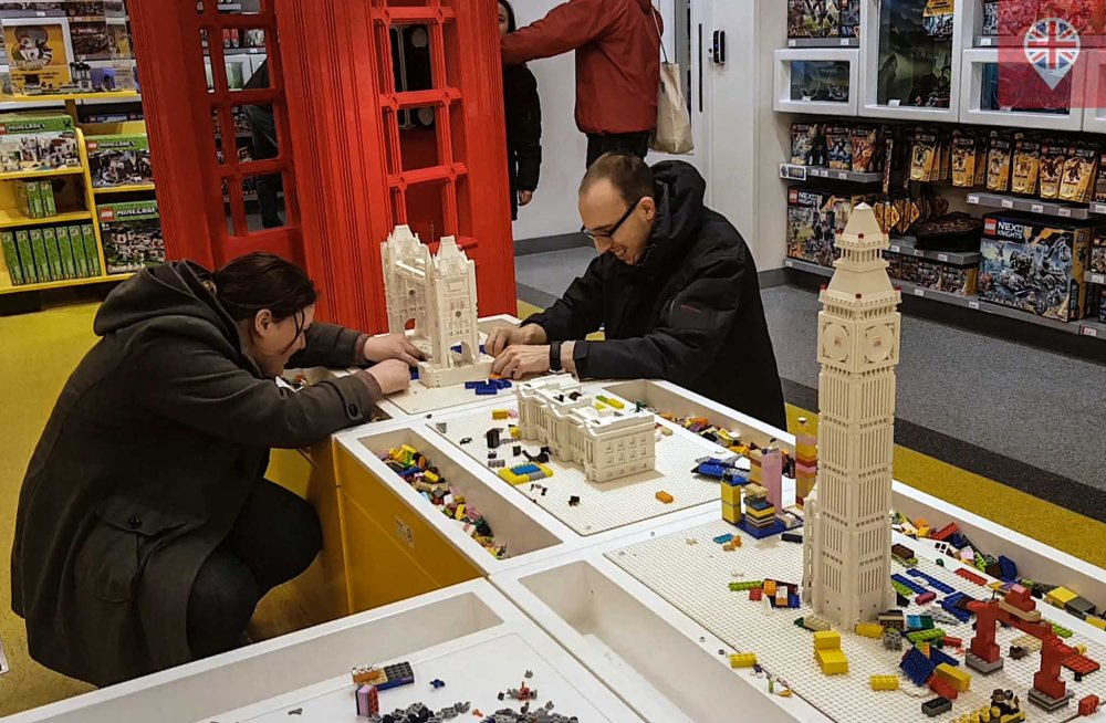 Lego store building
