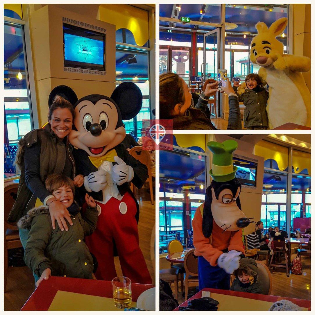 Disneyland Paris café da manhã com personagens