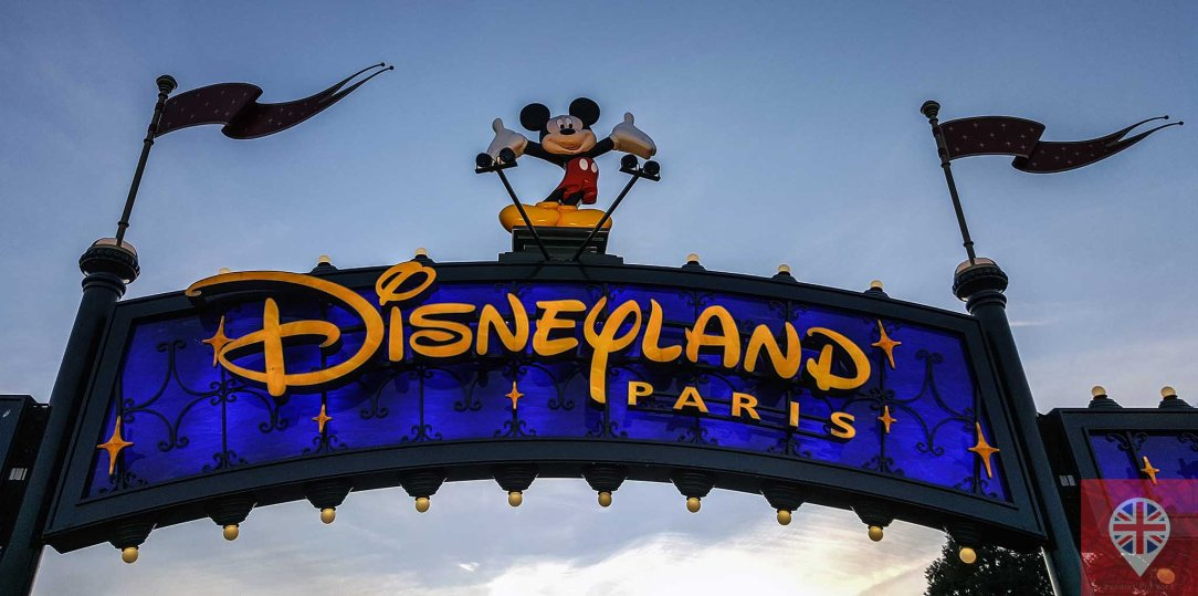 Disneyland Paris entrance logo