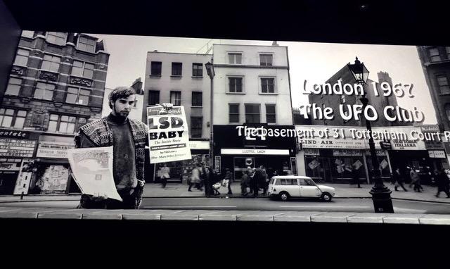 O UFO club foi onde o Pink Floyd começou a se apresentar em Londres na época que glorificava o LSD