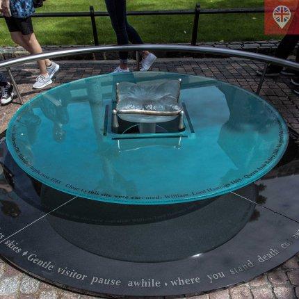 O monumento desenhada pelo artista britânico Brian Catling para lembrar as execuções que aconteceram dentro da Torre de Londres.