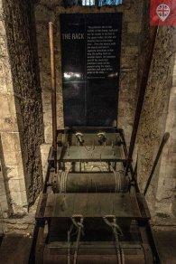 The Rack – o principal instrumento de tortura da Torre. As vítimas eram colocadas e esticadas por cordas amarradas às mãos e aos pés.