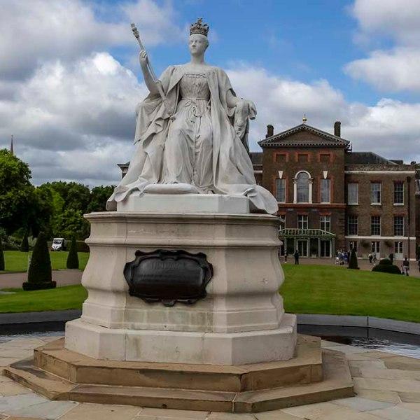 kensington-palace-statue-queen-victoria
