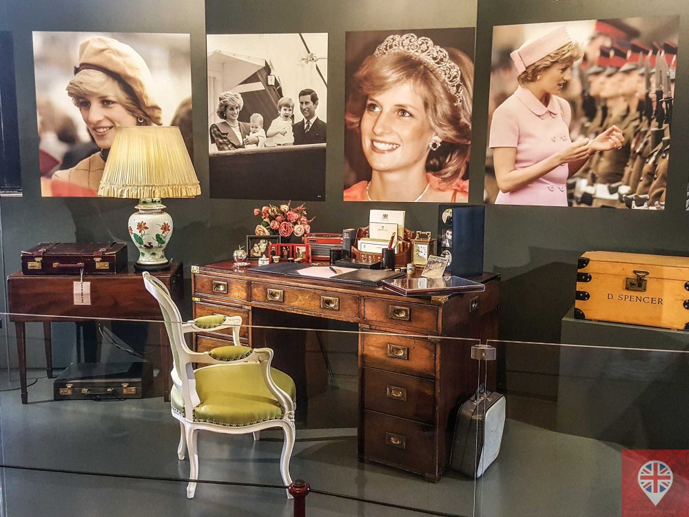 princess diana desk