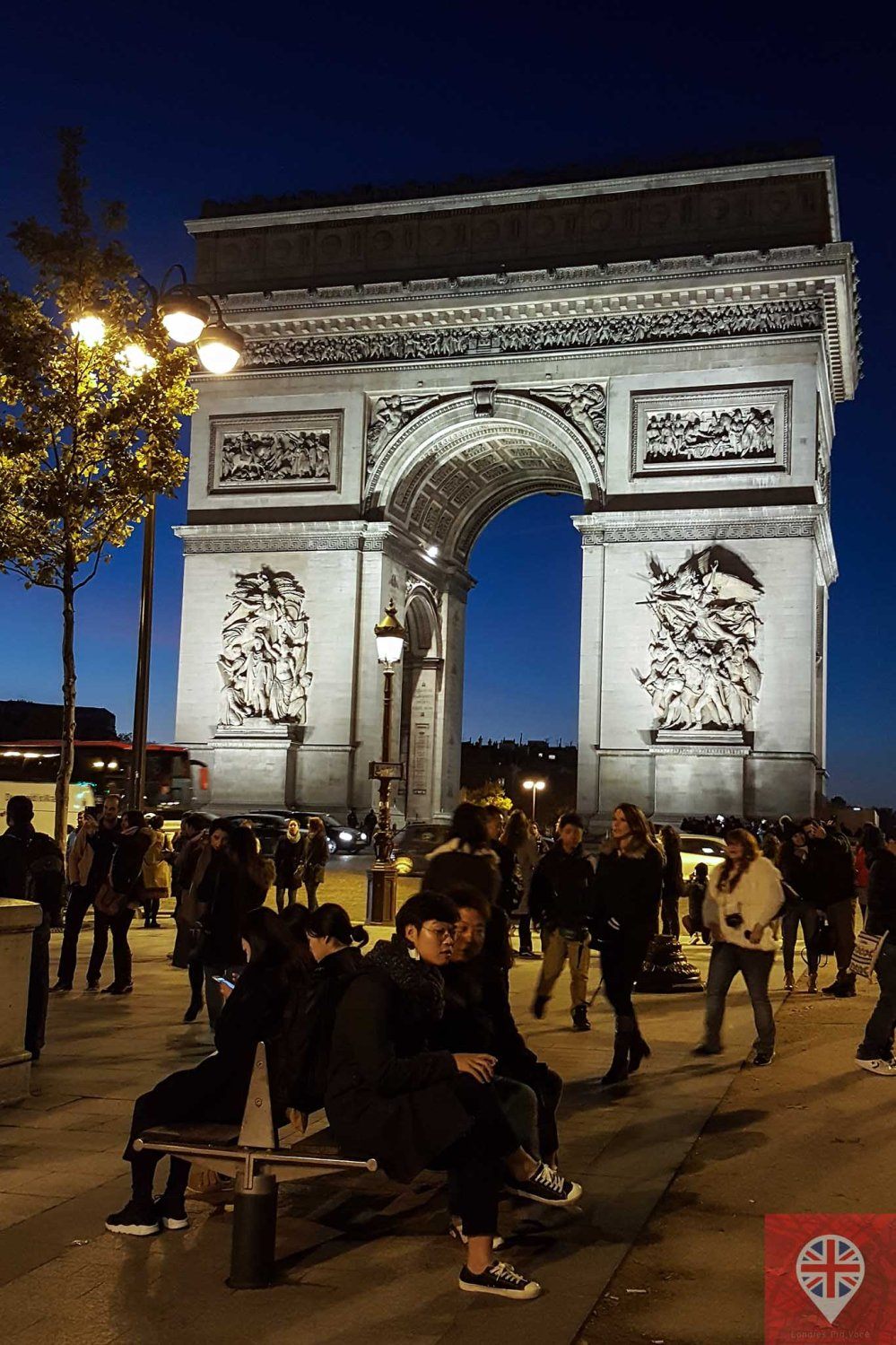paris arc de triomphe night