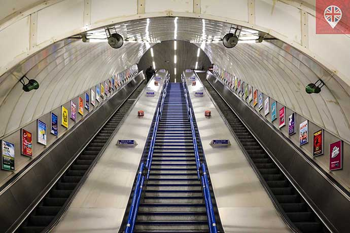 underground-escalators