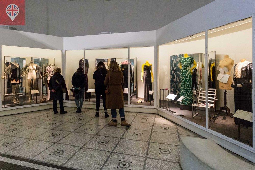 V&A fashion room