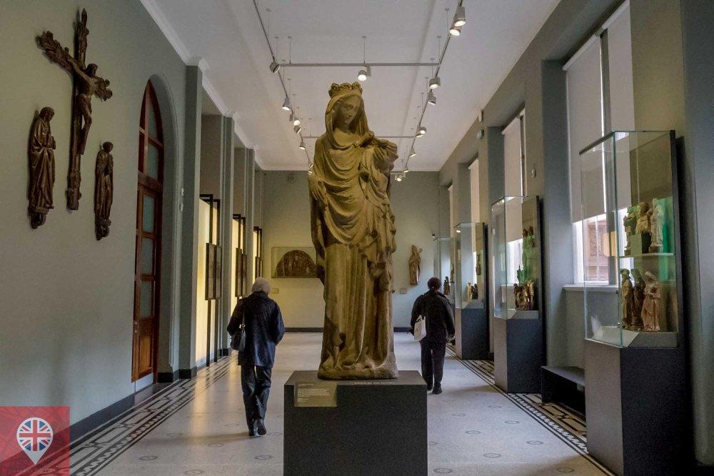 V&A sculpture virgin