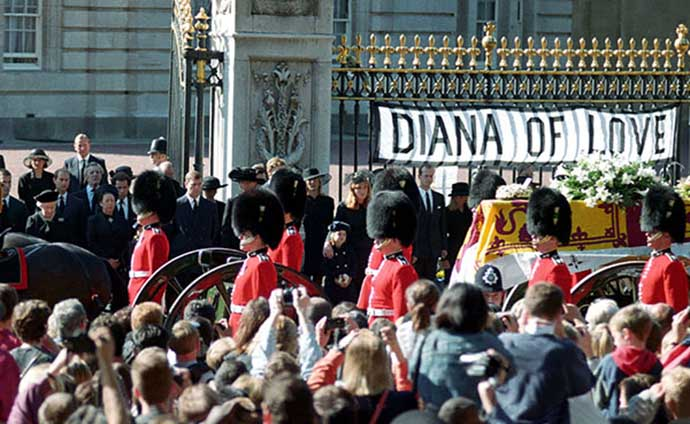 diana funeral queen bow
