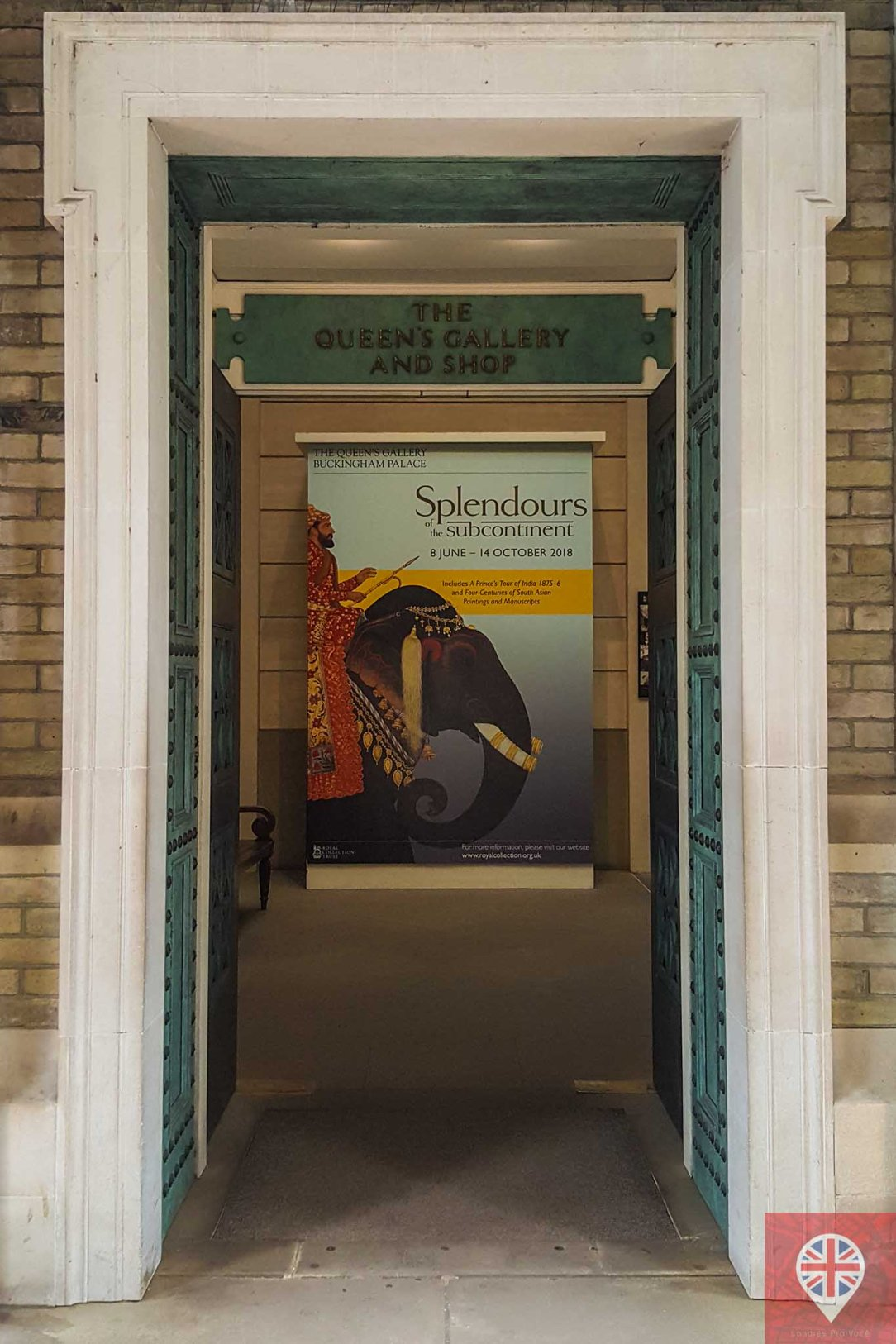 queens gallery splendorous door