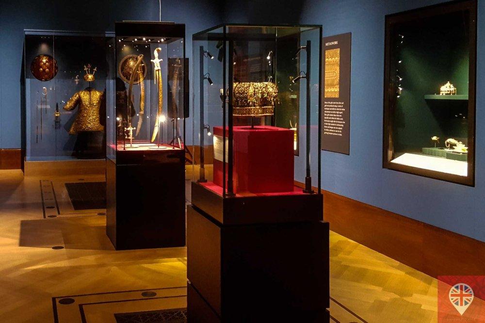 queens gallery splendorous room
