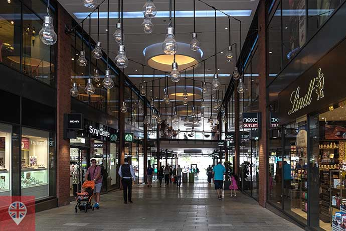 london designer outlet hall interno
