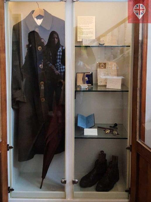 freud museum armario objetos pessoais