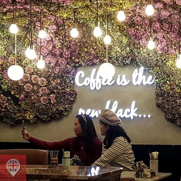 Elan Cafe selfie