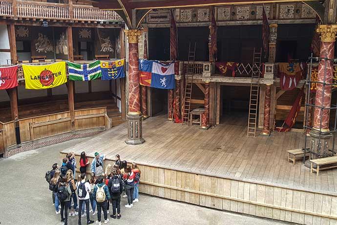 shakespeare globe palco