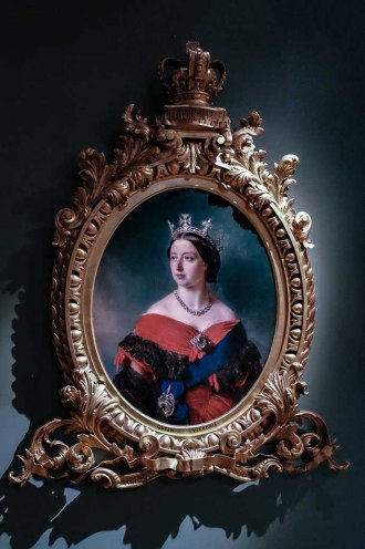 Victoria 200 quadro jovem rainha