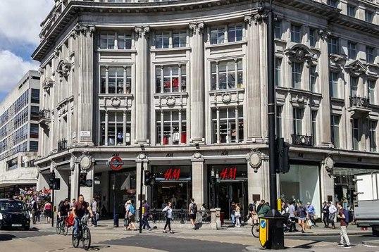 Oxford Street HM corner