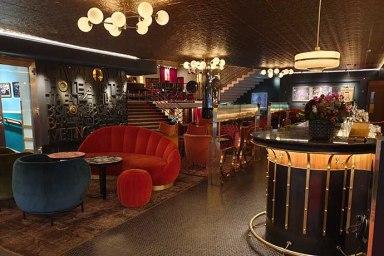 Rival Hotel lobby